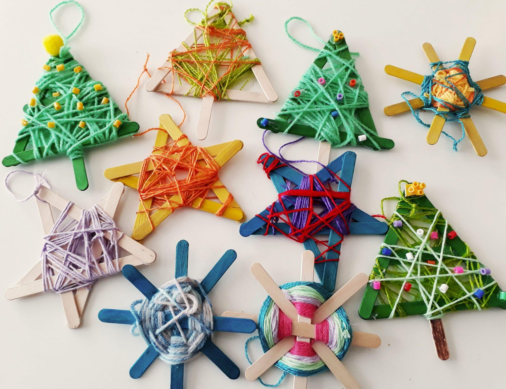 zamotané vianočné ozdoby
